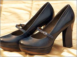 >靴・バッグ・小物類まで、幅広く対応します。